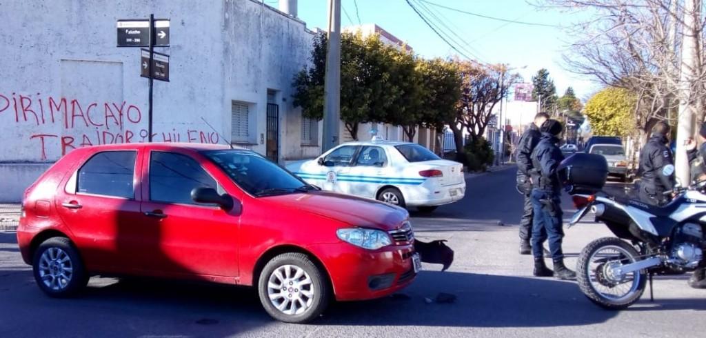 San Luis: un taxista y un policía chocaron a cuadras del centro