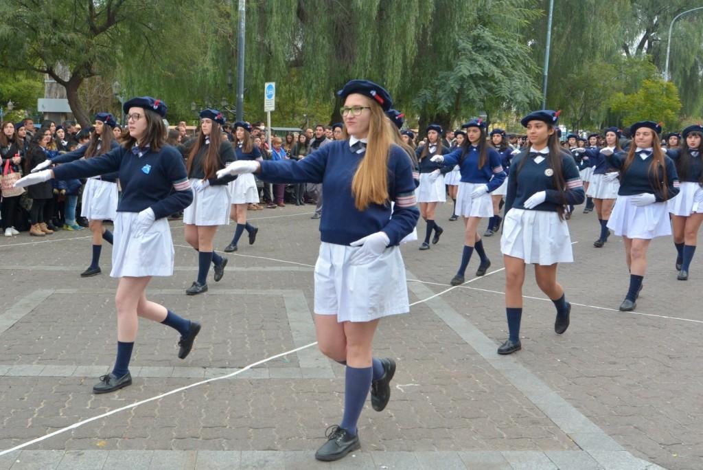 La Escuela Paula Domínguez de Bazán realizó un masivo acto para celebrar la Independencia Argentina