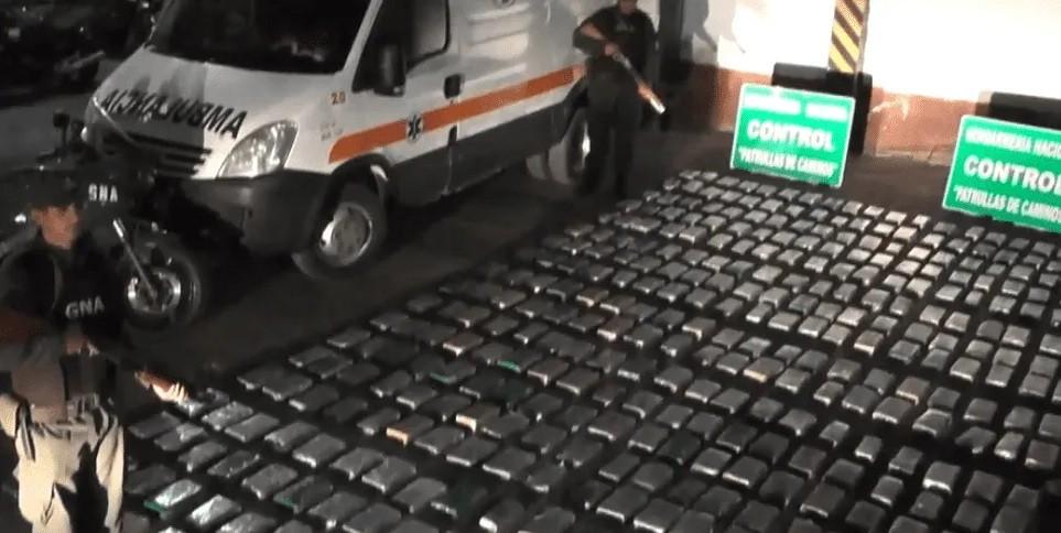 Narco ambulancia llevaba 376 kilos de marihuana