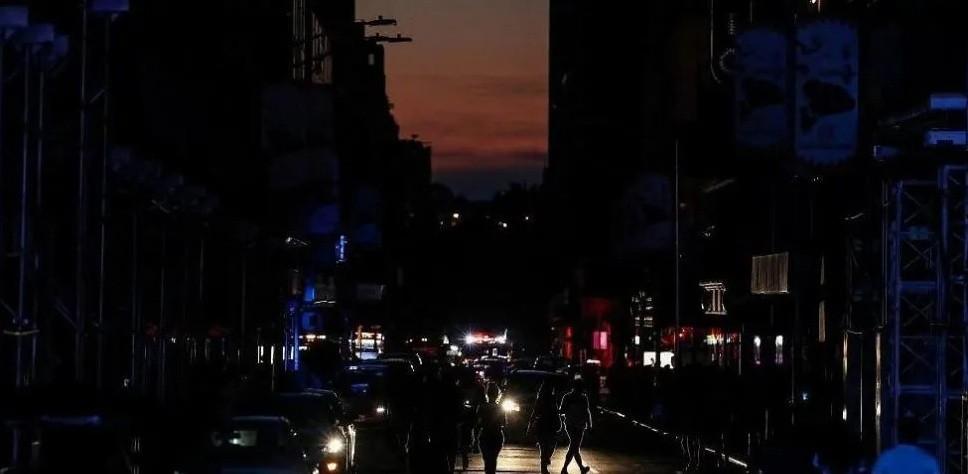 Un apagón en Nueva York dejó sin luz a 42 mil personas
