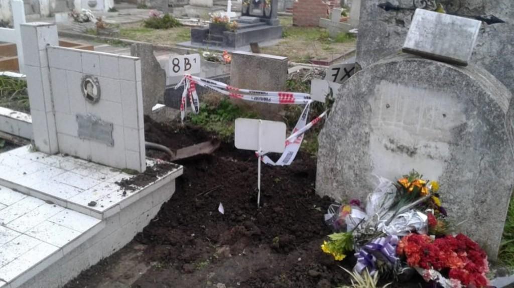 Se robaron otro cadáver de un bebé en Miramar: ya son 4 los casos
