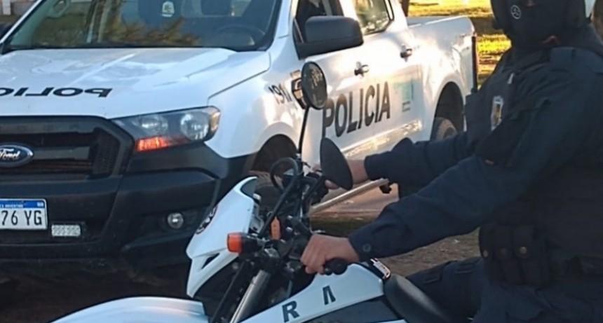 San Luis: detuvieron a dos hombres que bebían en la vía pública, uno tenía droga