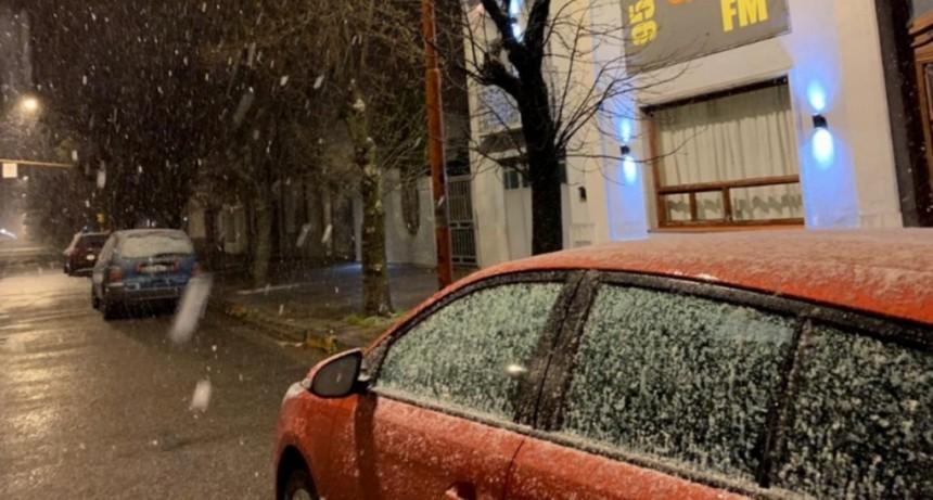 Nevó en la provincia de Buenos Aires: Tres Arroyos amaneció cubierta de blanco