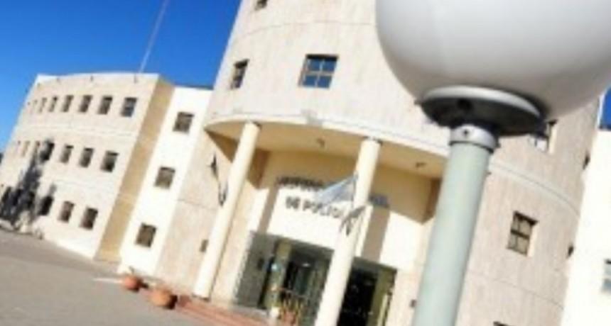 Quines: pasaron a disponibilidad a un efectivo acusado de abuso