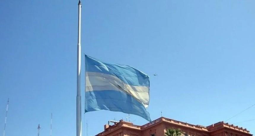 Decretan tres días de duelo por la muerte del ex presidente de la Rúa