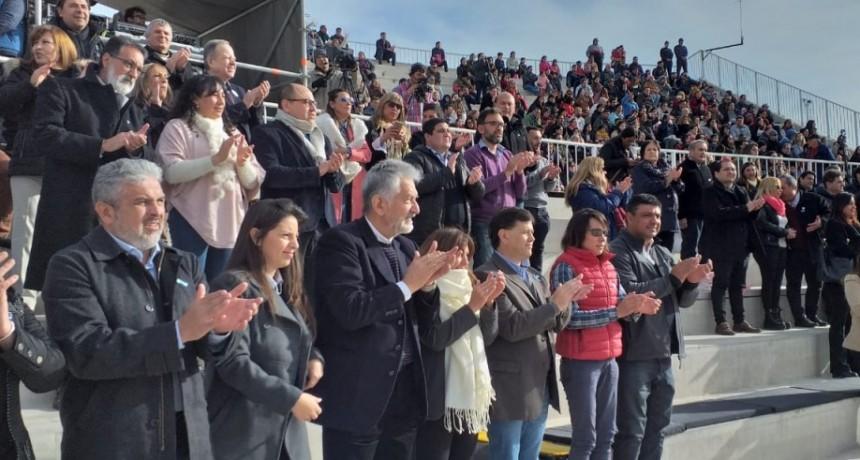 El gobernador encabeza el festejo del Día de la Independencia en La Pedrera