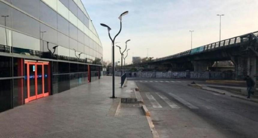 Violaron a joven azafata en la terminal de micros de Córdoba