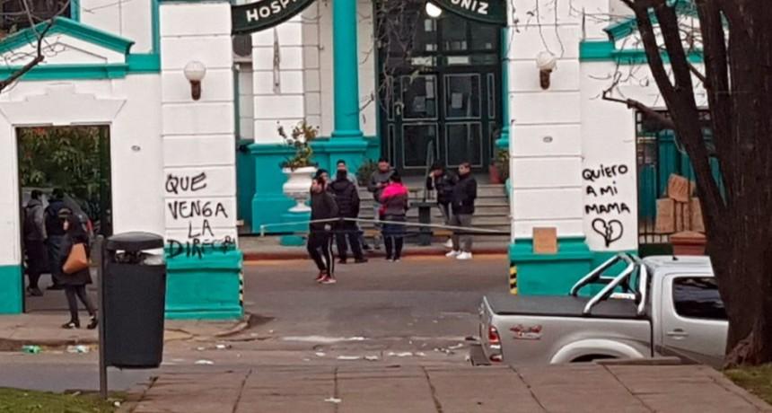 Por un error del Hospital Muñiz, una familia enterró un cuerpo equivocado