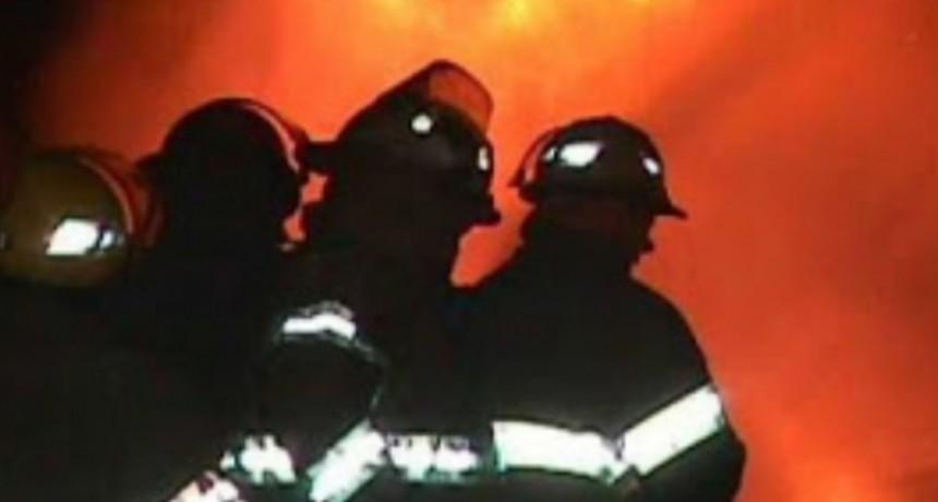 Paso Grande: bomberos sofocaron un incendio en un paraje