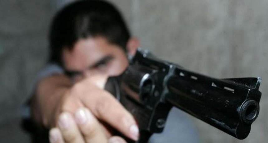 San Luis: tres ladrones armados le robaron $300.000 a una mujer en su casa