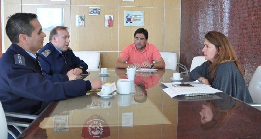 La ministra de Educación se reunió con integrantes del Comando General Electoral