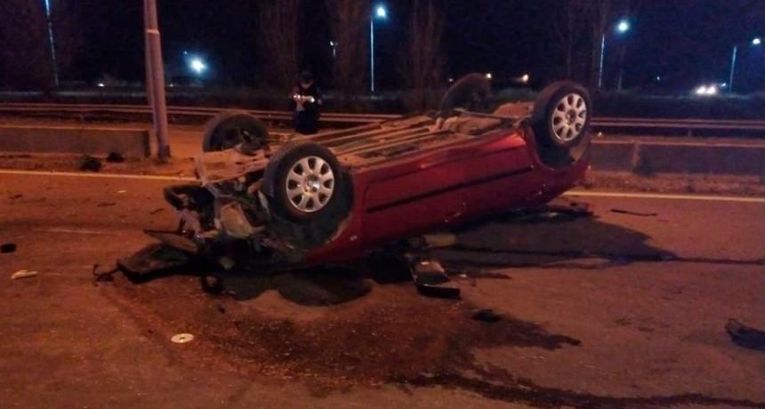Villa Mercedes: un auto volcó en la Autopista de las Serranías Puntanas; el conductor salió despedido del vehículo