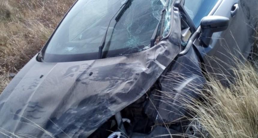 Los Manantiales: dos mujeres volcaron en el automóvil en el que viajaban