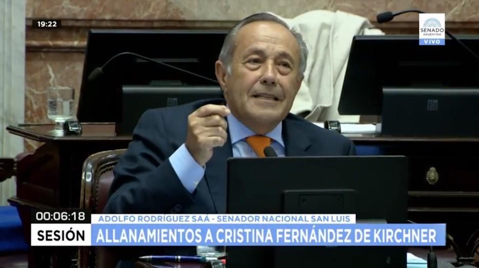 Adolfo acompañó el allanamiento solicitado por Bonadío a propiedades de Cristina Kirchner
