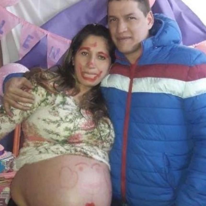 Entró embarazada de gemelas al hospital y le dieron un solo bebé