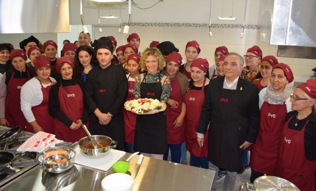 La UPrO cumplió un nuevo sueño: ahora ya enseña cocina