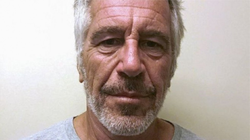 Jeffrey Epstein mantuvo largas reuniones con sus abogados en sus últimos días