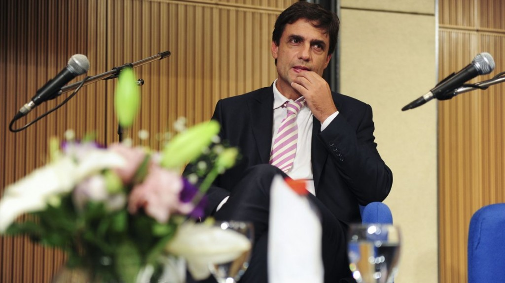 En medio de la crisis terminal del gobierno, asume Lacunza, el nuevo ministro de Hacienda