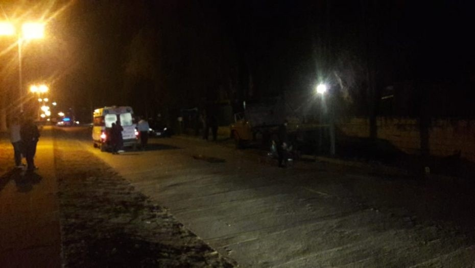 Accidente fatal: un motociclista falleció tras chocar contra un camión estacionado en Villa Mercedes