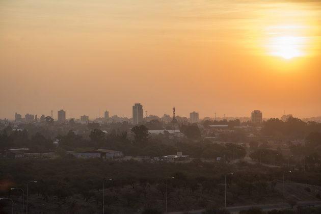 El humo de la Amazonia llegó a San Luis, pero se ubica en altura