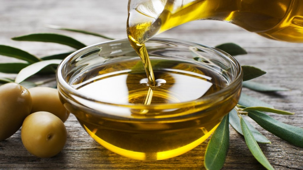 La Anmat prohibió un aceite de oliva y una solución fisiológica
