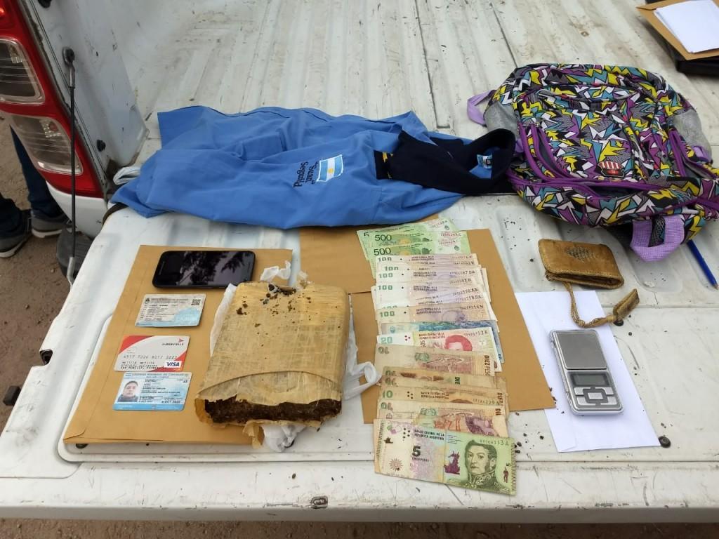 Potrero de los Funes: detuvieron a un hombre que hacía delivery de droga en moto