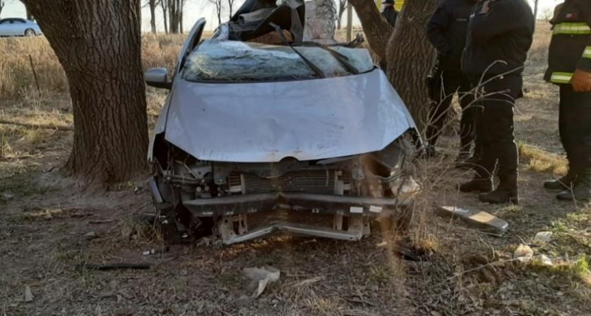 Accidente fatal: un hombre perdió la vida en luego de chocar con un árbol