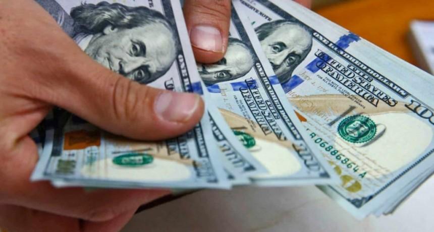 El dólar sube en la semana previa a las PASO