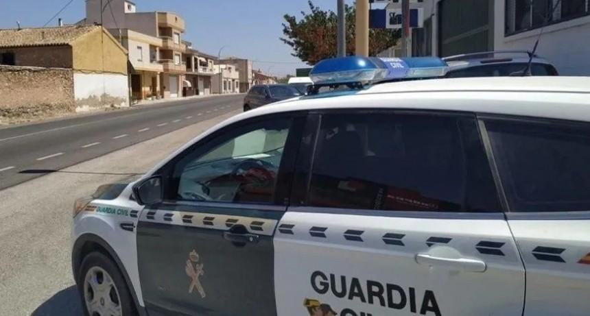 España: En manada, franceses violan a una turista
