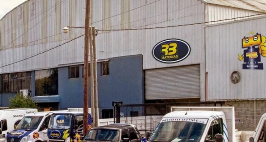 Llegaron a trabajar y la fábrica estaba cerrada: 35 familias en la calle en Burzaco