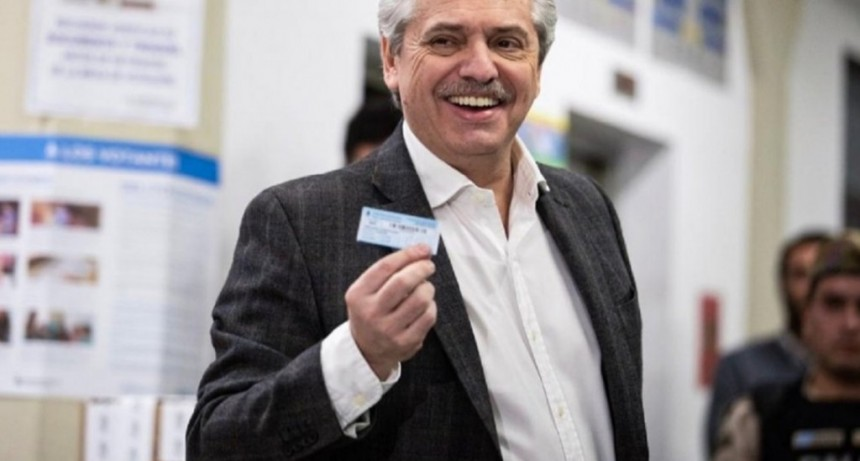 Alberto Fernández tras el triunfo en las PASO: el guiño a Lavagna, quién lo llamó del oficialismo y el FMI