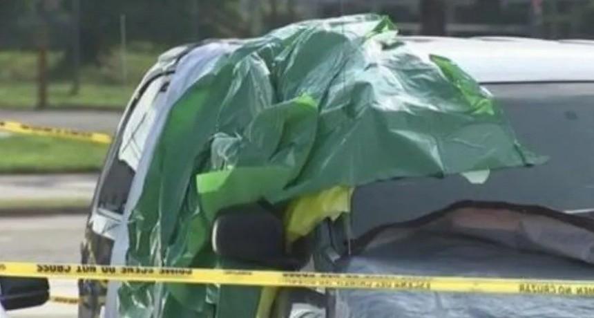 Beba murió sofocada luego de que la dejaran encerrada en un auto