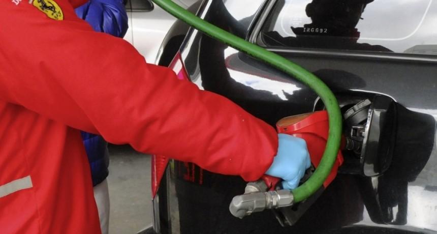 Río Negro y Neuquén le pidieron a la Corte que frene el congelamiento a las naftas
