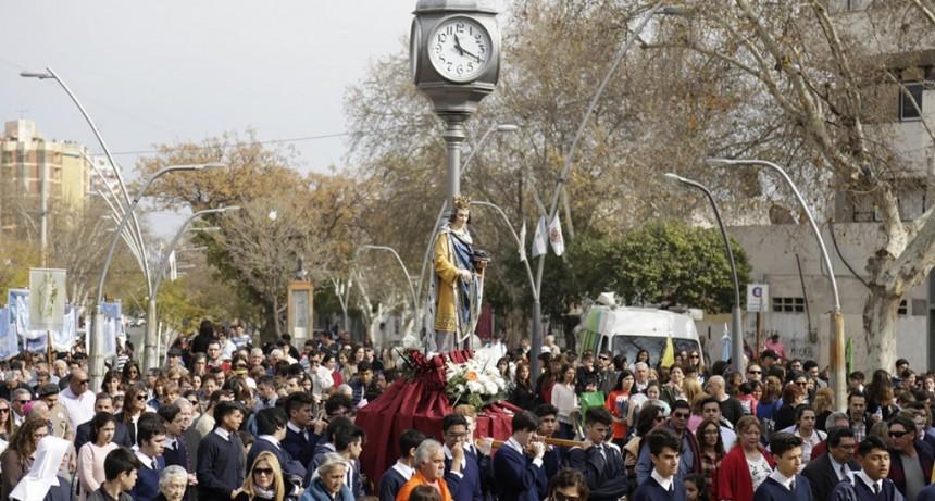La ciudad rindió homenaje a su patrono San Luis Rey de Francia