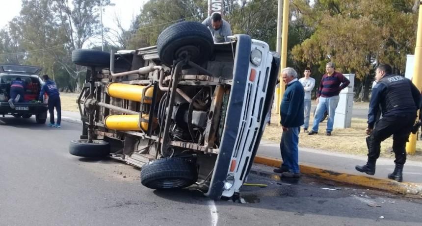 San Luis: una camioneta volcó en el Corredor Vial