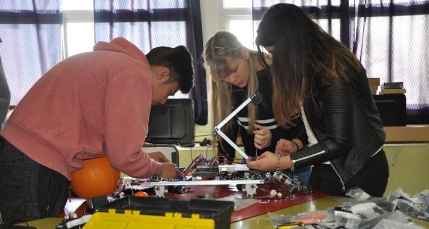 Estudiantes puntanos se preparan para clasificar al Mundial de Robótica