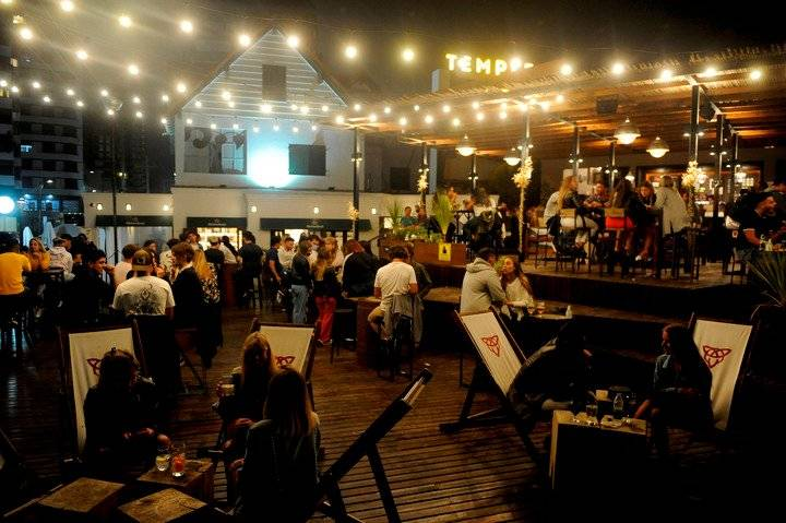 Desde hoy bares y restaurantes  funcionan con un 50% de ocupación