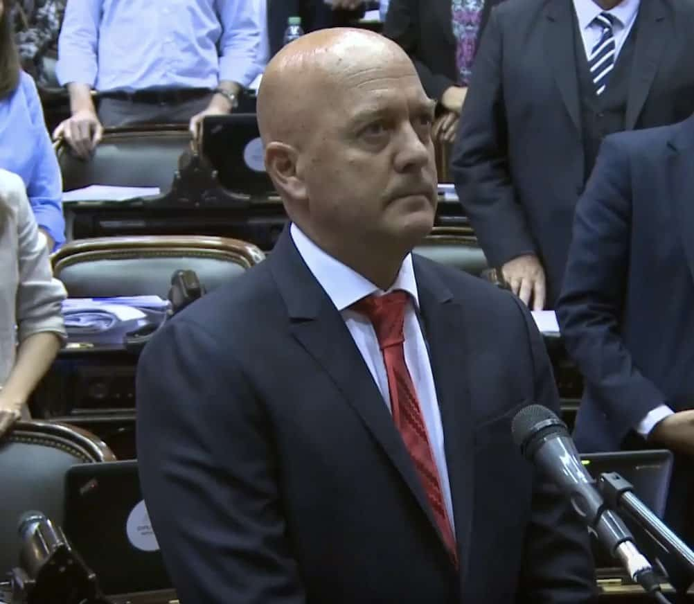 """Vallone: """"Este proyecto económico no va más"""""""