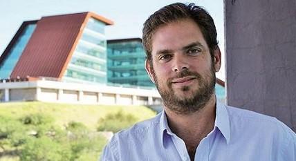 """Felipe Tomasevich : """"Alberto sigue manteniendo un nivel de obra pública único en el pais"""""""