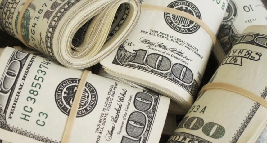 El dólar abre estable tras el discurso de Macri y el anuncio de Dujovne