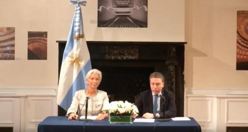 Se esperaba otra cosa: al final el FMI aumenta en 7.000 millones de dólares el acuerdo con Argentina