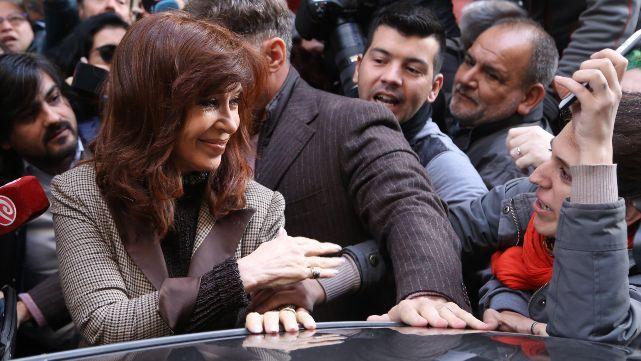Cristina hizo especial pedido a la militancia antes de presentarse ante Bonadio