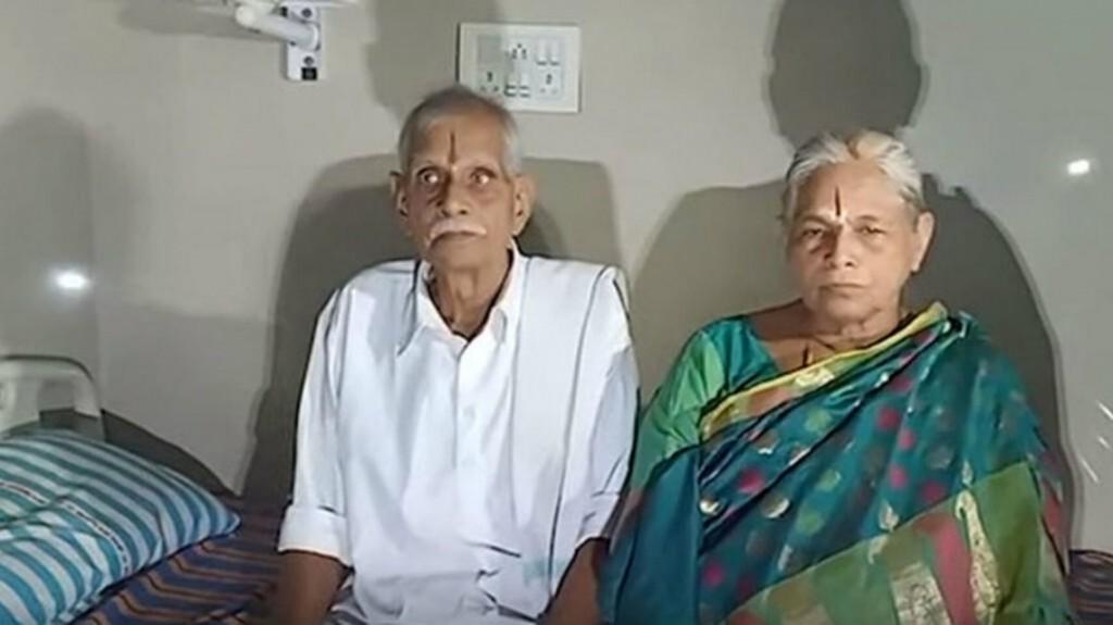Una mujer de 74 años dio a luz por primera vez en India y rompió un récord