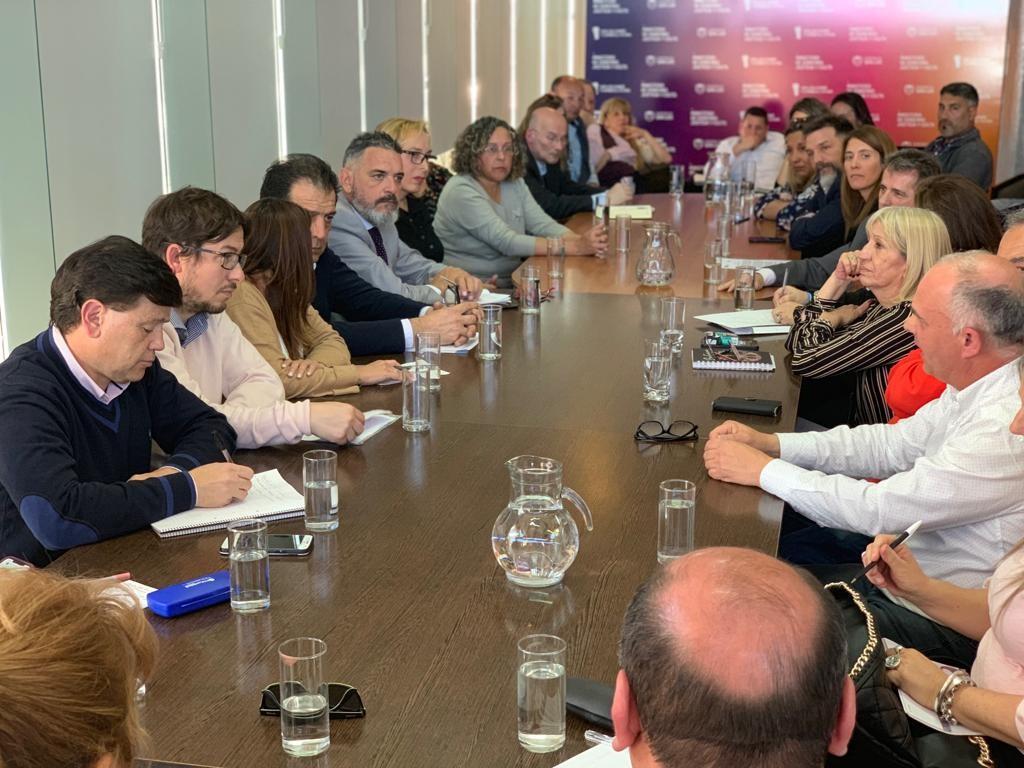 El Consejo Económico y Social se reunió con directores de escuelas, rectores de universidades y gremios docentes