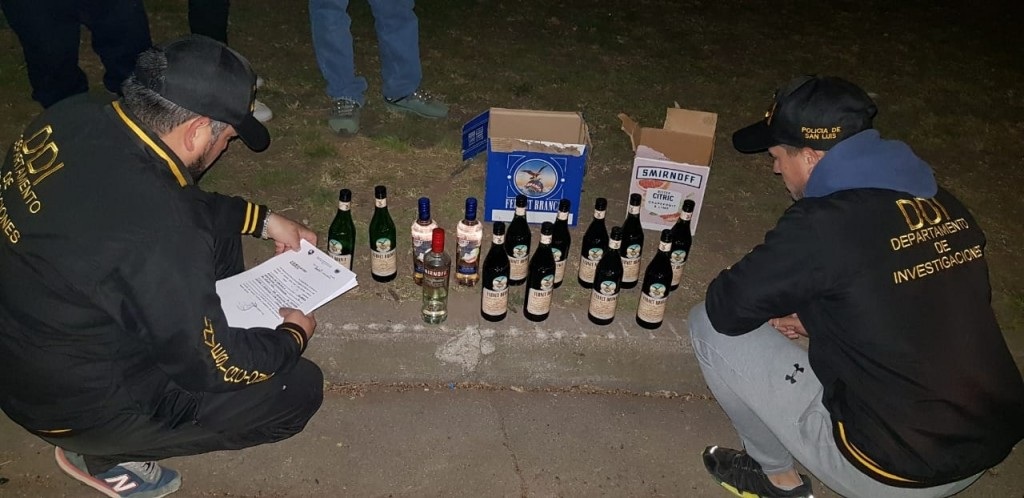El Trapiche: demoraron a 4 jóvenes que vendían alcohol por las redes sociales