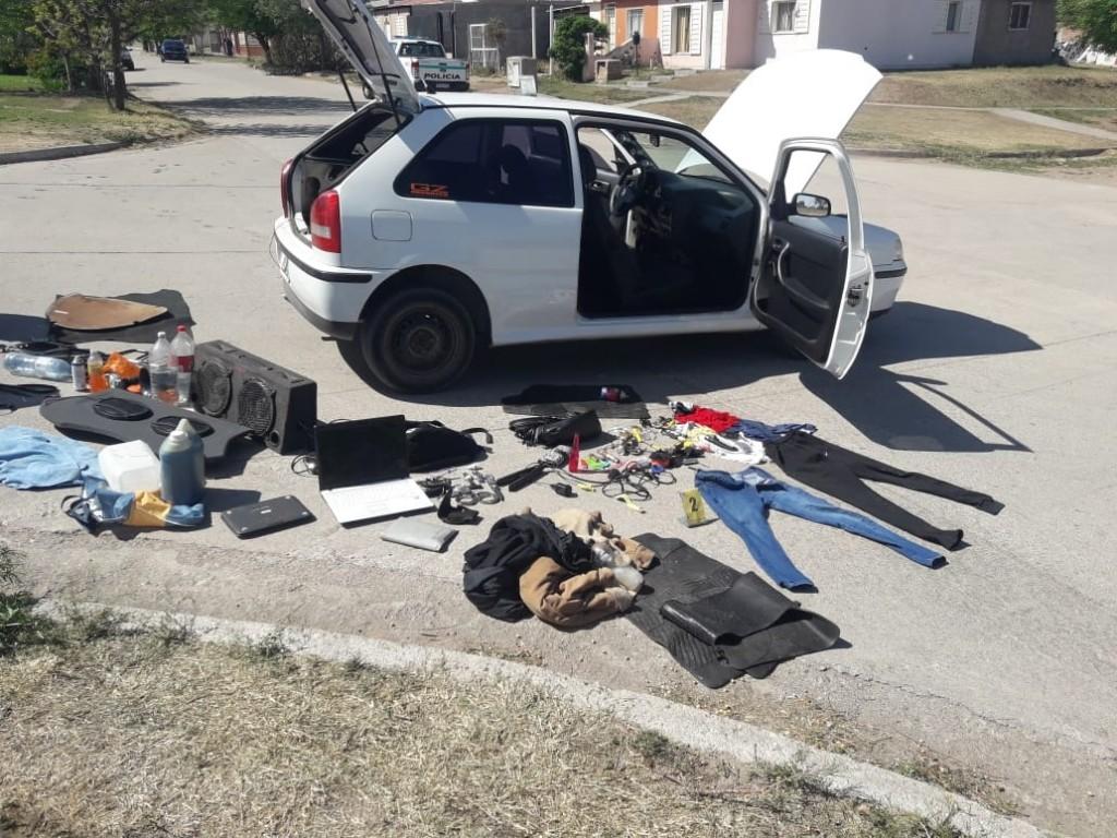 La Punta: persecución y detención para dos hombres y una mujer que huían con bienes robados
