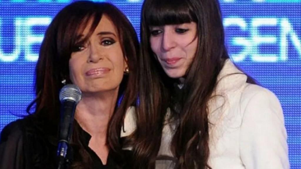 Cristina Kirchner viajó a Cuba por la salud de su hija Florencia