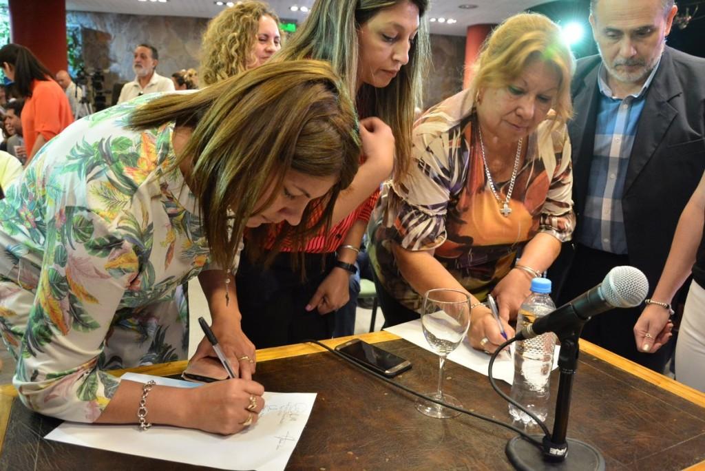 Los integrantes del Consejo Económico y Social firmaron un acta de acompañamiento a las medidas tomadas por el Gobierno provincial