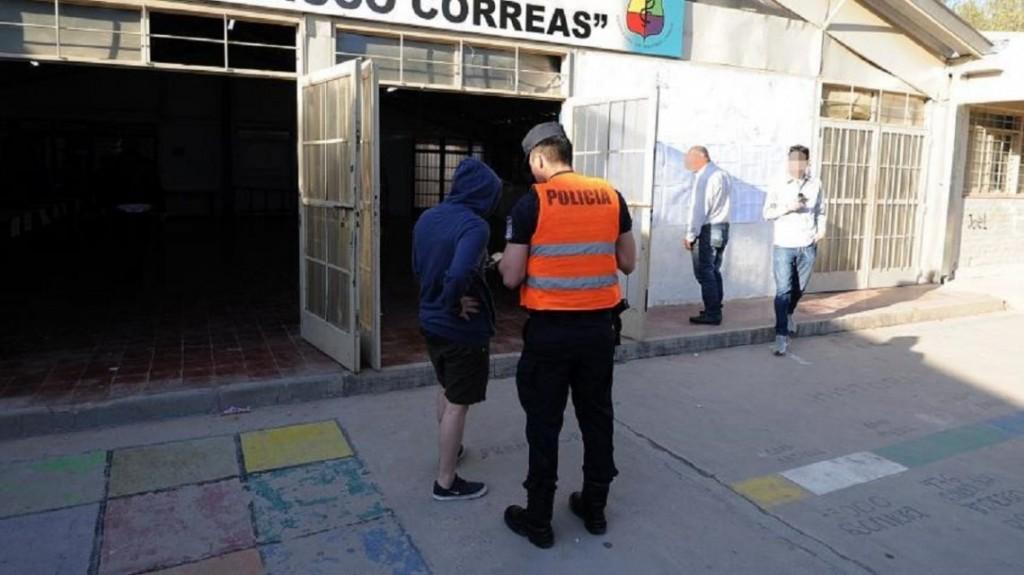 Están acusados por violencia de género, fueron a votar en Mendoza y los detuvieron