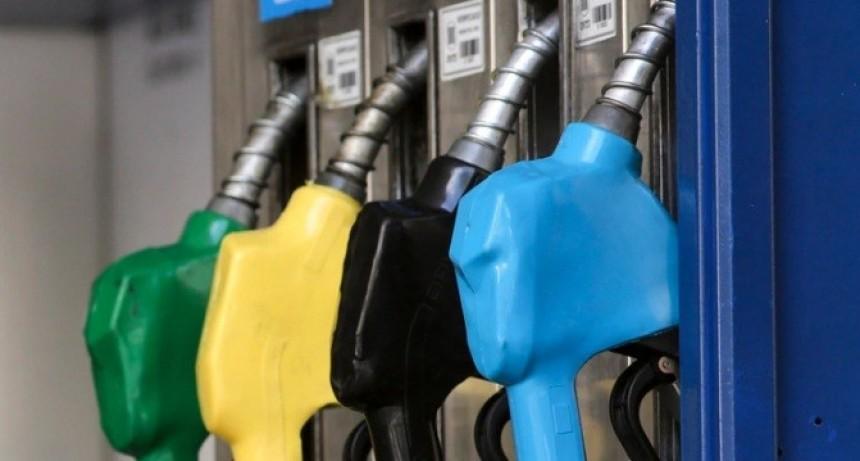 Congelamiento de combustibles: liberaron los precios mayoristas y compensarán a las petroleras
